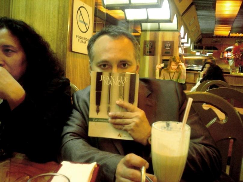 http://2.bp.blogspot.com/-Cyo_Ei9ftiU/UAdz-JZra9I/AAAAAAAAFpA/NixSzra2HUk/s1600/Adolfo+Vasquez+Rocca+Cafe+Libro+_+Fondo+007+700+_7+.JPG